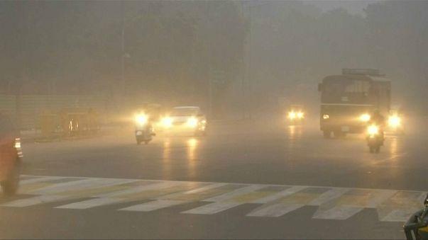 L'Inde sous un épais brouillard