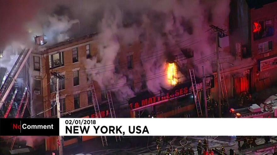 Arde un edificio de viviendas del Bronx