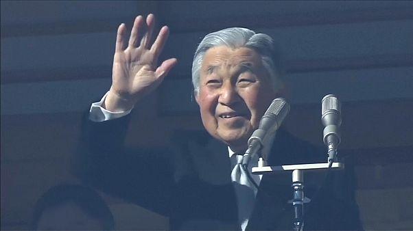 Zehntausende wollen Kaiser Akihito sehen