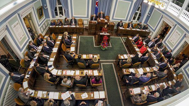 Islândia é o primeiro país a legislar sobre igualdade salarial entre homens e mulheres