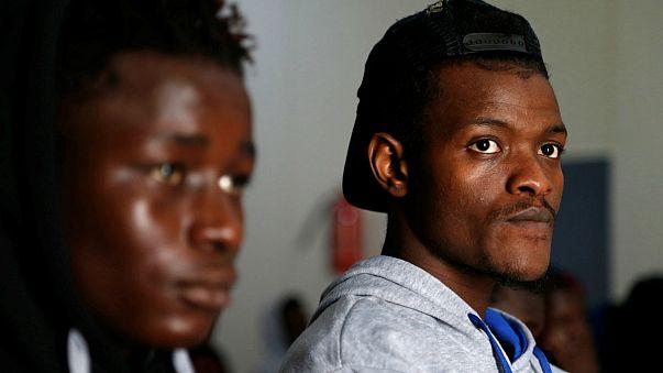 İsrail binlerce Afrikalı göçmeni sınır dışı edecek