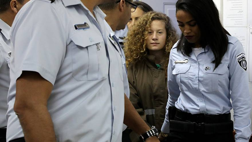 والد عهد التميمي يريد أن يحمل جيل ابنته العلم إلى أن تتحرر فلسطين