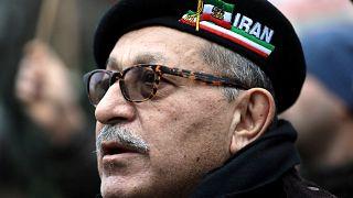 Diáspora persa manifesta-se na Europa