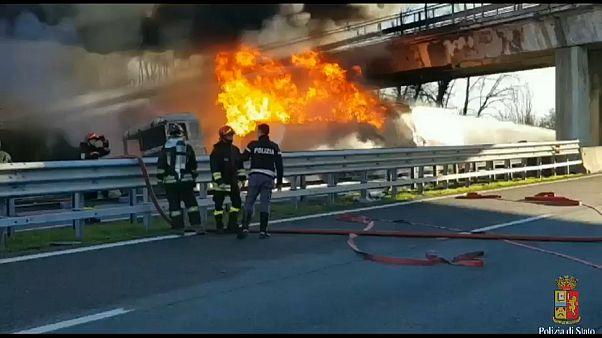 Fiery crash kills six in Italy