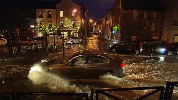 La tempête Eleanor balaye l'Irlande et la France