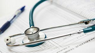أطباء ألمان يعارضون اجراء فحوصات طبية على لاجئين