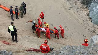 """Perui buszbaleset az """"Ördög kanyarjában"""""""
