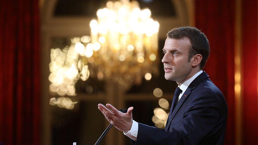 Macron : une loi contre les Fake News