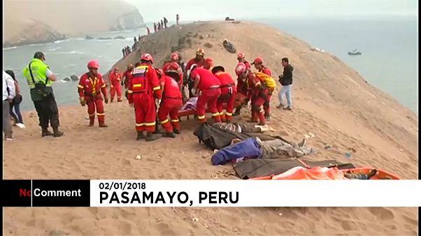 Mindestens 48 Tote bei einem Busunglück in Peru