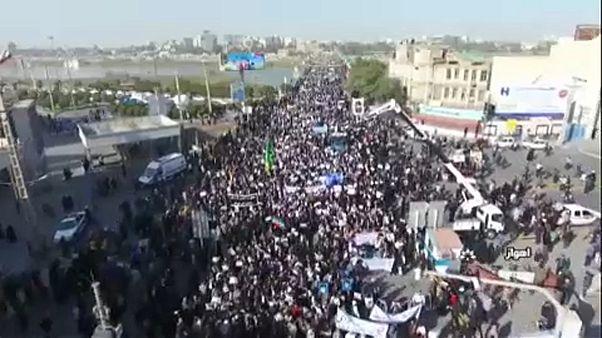Irán: a kormány ellen és mellett is tüntettek