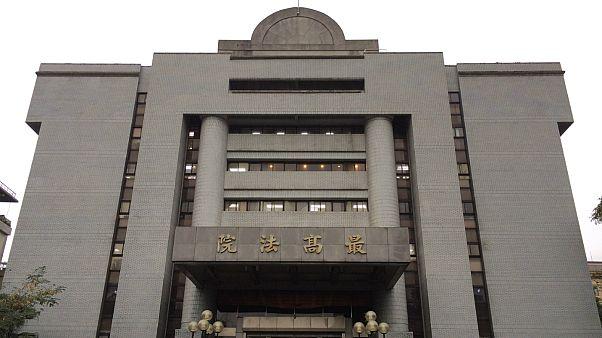 دندانپزشک تایوانی موظف به پرداخت ۷۴۴ هزار دلار به مادرش شد
