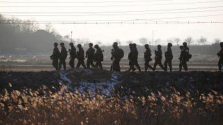 Kuzey Kore ile Güney Kore arasındaki sınır hattı açıldı