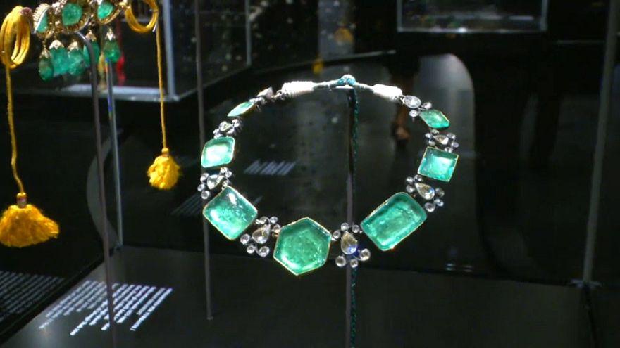 Colpo grosso a Venezia: rubati gioielli indiani da una mostra