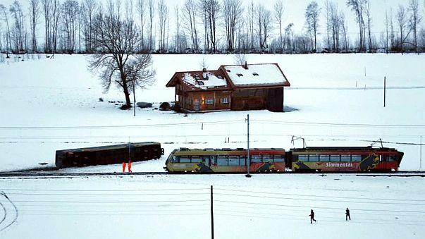 Eleanor o Burglind? In Svizzera il vento fa deragliare un treno