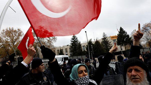 زواج الفتيات في سنّ التاسعة يثير غضب الأتراك