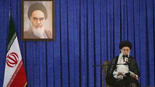 الزعيم الأعلى الإيراني آية الله علي خامنئي يتحدث في طهران