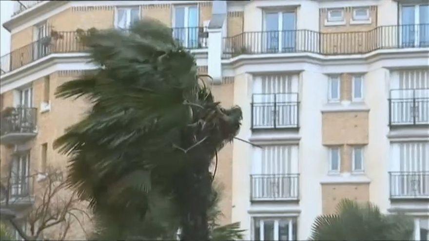Storm Eleanor wreaks havoc in Europe