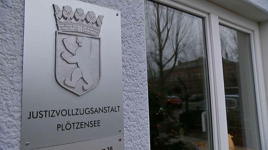 """Zu """"offener"""" Vollzug? Berlins Justizminister in der Kritik"""