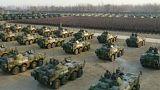 Látványosan fegyverkezik Kína