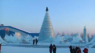 Festival do gelo de Harbin retrata locais icónicos