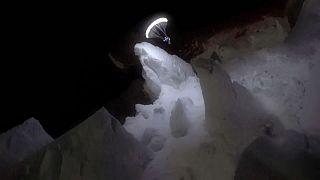 El sueño de emular a Ícaro al amparo de la luna