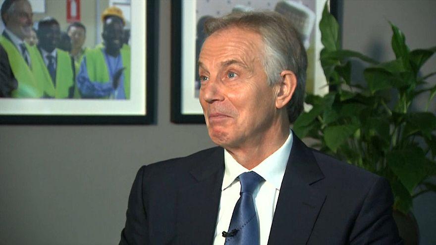 Tony Blair diz que é preciso repensar o Brexit