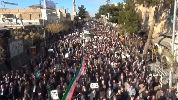 Iran: nuove manifestazioni pro regime
