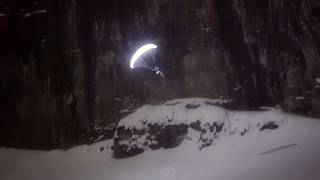 Voo noturno sobre o glaciar de Bossons