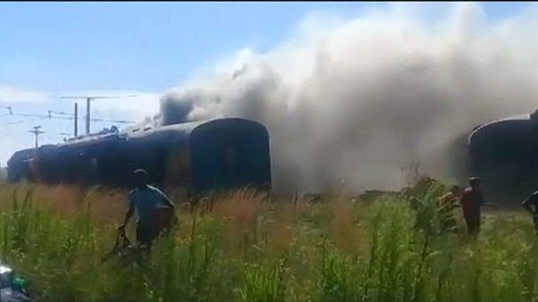 Varios muertos y numerosos heridos en un accidente de tren en Sudáfrica