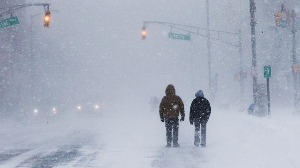 Schneestürme in den USA: 3.000 Flüge an der Ostküste fallen aus