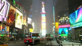 В Нью-Йорке выпал снег