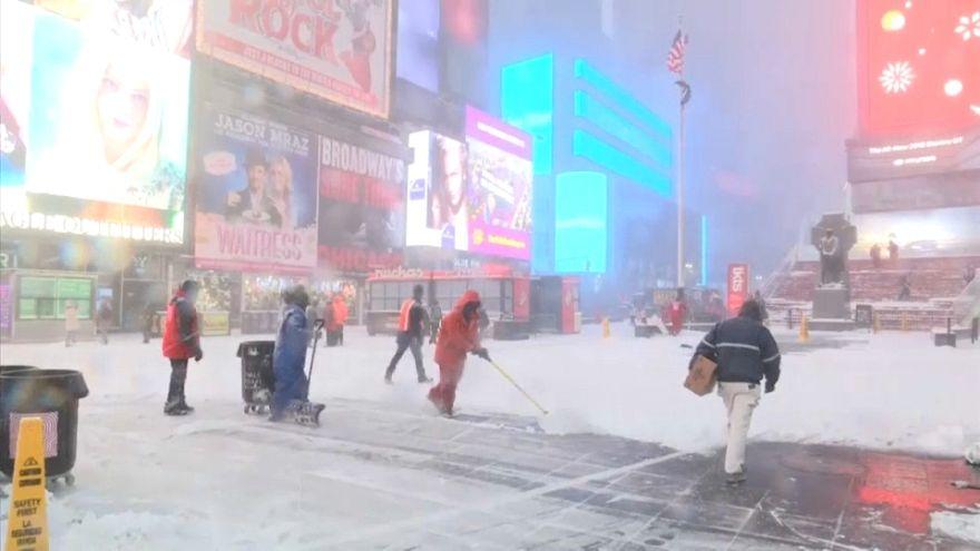 La 'bomba meteorológica' colapsa Nueva York