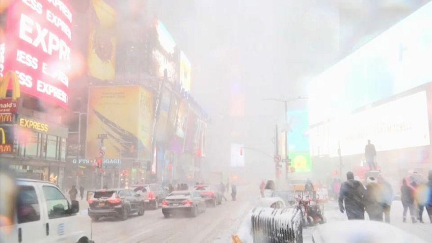 """""""Ciclone bomba"""" sul Nord-Est degli Stati Uniti, neve e voli cancellati"""