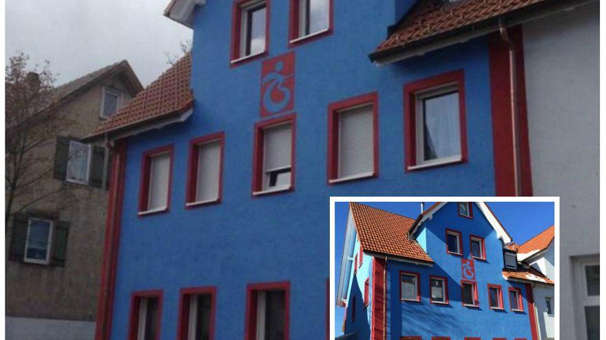 Almanya: Bordo mavi sevdalısı evini Trabzonspor'un renklerine boyadı