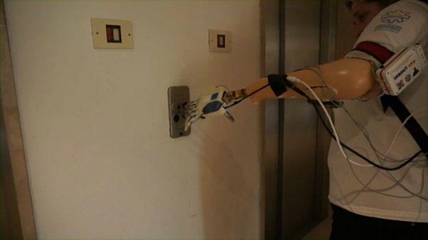 Бионическая рука: от разработки - к практике