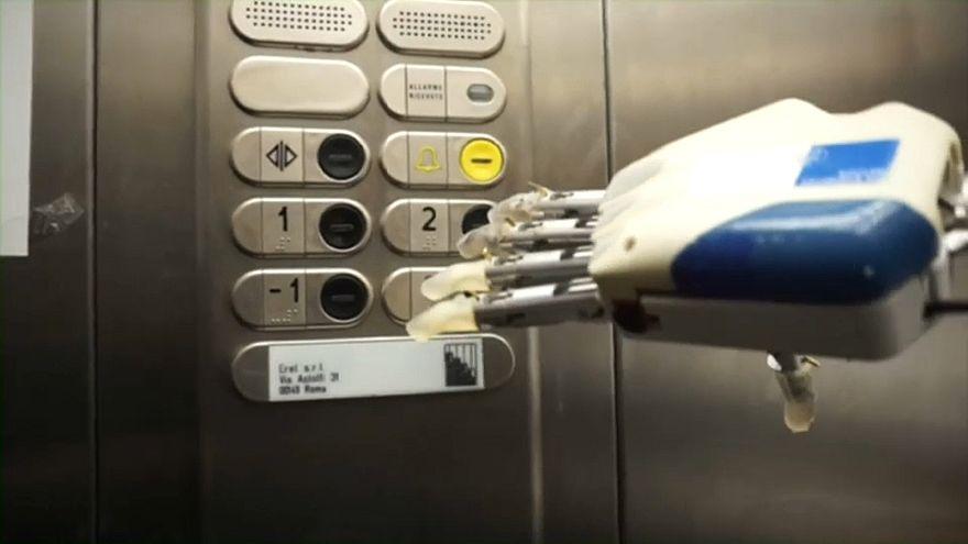 Italia: prima mano bionica