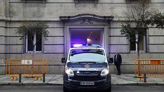 Un camion de police transportant Oriol Junqueras