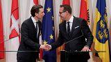 Migrants dans des casernes : Strache revient sur ses propos
