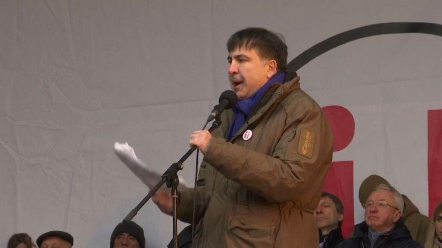 Саакашвили приговорили к трем годам тюрьмы