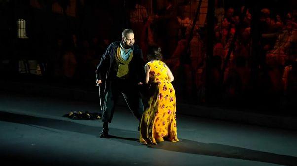"""Firenze, finale a sorpresa per la carmen di Bizet: """"così diciamo no alla violenza sulle donne"""""""