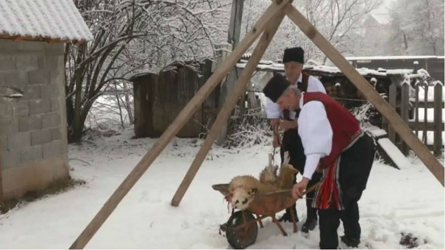 Bosnia's Orthodox Christians follow rituals in run-up to Christmas