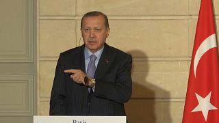 Erdogan confunde jornalismo com terrorismo em Paris