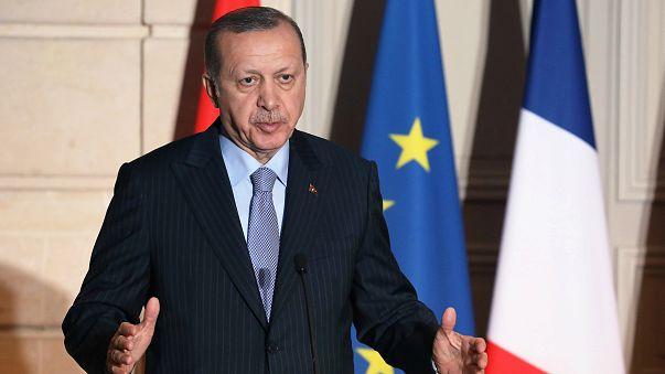 Erdoğan'dan MİT tırlarını soran Fransız gazeteciye sert tepki