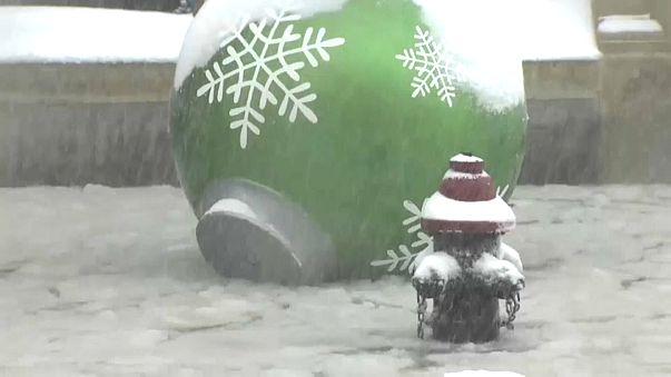 США: за снегопадами - лютый мороз