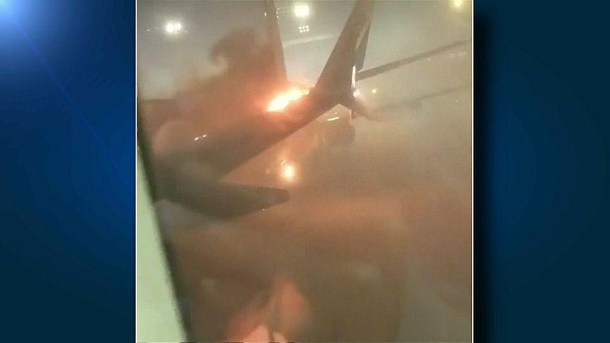 Kanada'da iki uçak pistte çarpıştı