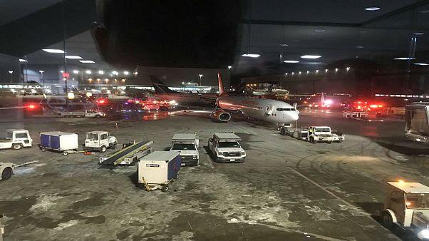 نجاة ركاب من حادث تصادم طائرتين في مطار بيرسون الكندي