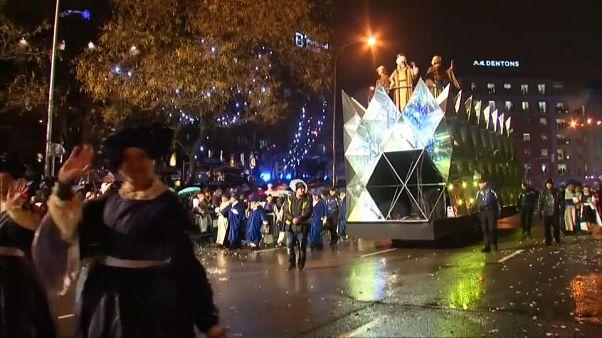 Decenas de cabalgatas reciben a los Reyes Magos