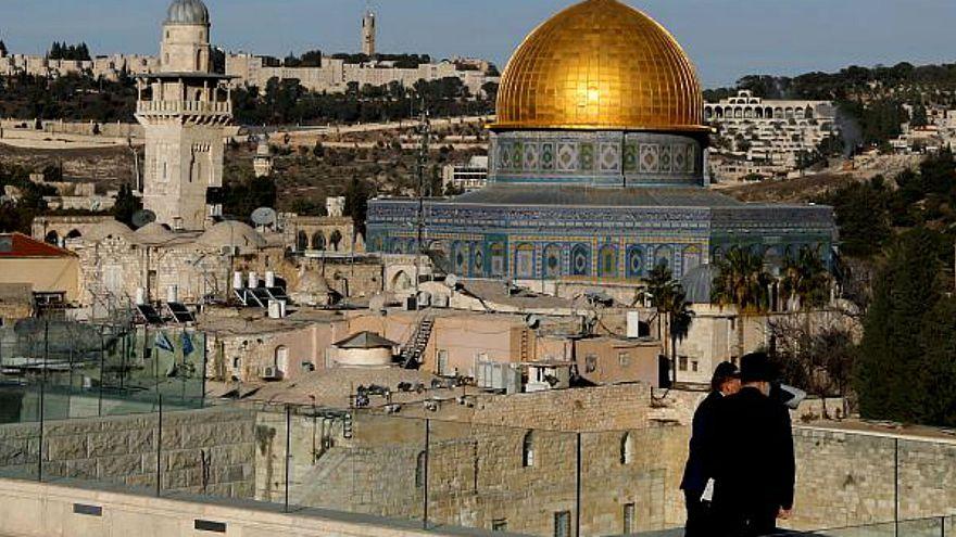 تسريبات تكشف توجيهات رجل مخابرات مصري للإعلام للقبول ضمنيا بقرار ترامب حول القدس