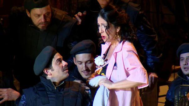 Carmen sobrevive a los celos de Don José
