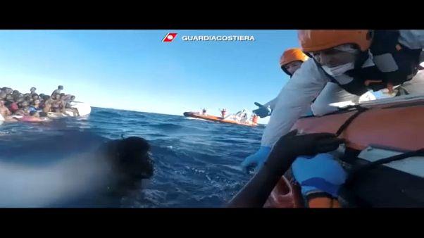 Dramático rescate de inmigrantes en el Mediterráneo